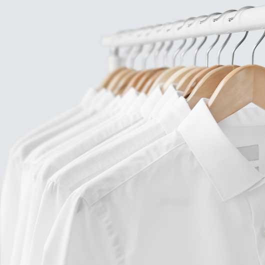 Como doblar una camisa